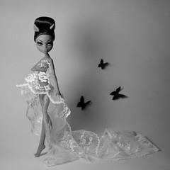 "THE MONSTER IDOL SEASON 2 | ""Minimalism"" (dasha.savitskaya13) Tags: monster high monsterhigh tmi themonsteridol2 clawdeen wolf nicky rogers white grey black beautiful bomb girl doll dolls fashion minimalism"
