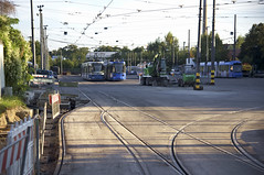 Die Strecke nach Berg am Laim kann vom Betriebshof nur ber die uersten Gleise der Freiflche erreicht werden (Frederik Buchleitner) Tags: baustelle bergamlaim haidhausen linie25 mvg munich mnchen neubaustrecke steinhausen strasenbahn streetcar tram trambahn
