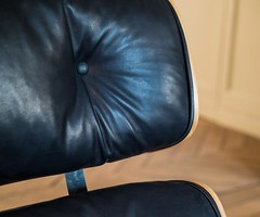 #etienneperrone #details #sofa #eames #leather (etienne.perrone) Tags: etienne perrone etienneperrone