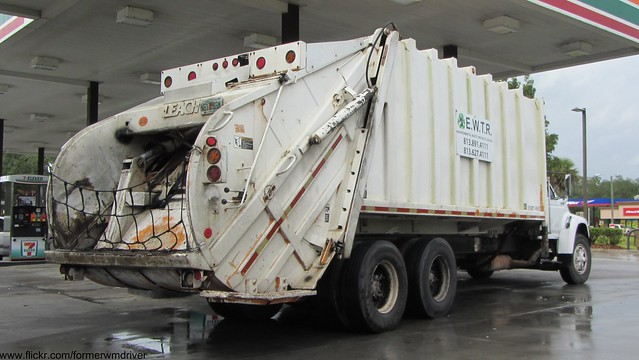 ford trash truck garbage rear collection rubbish end waste refuse loader load leach rl sanitation rel fseries 2r2 1920x1080 ewtr rearloader 2rii rearload envrionmentalwastetirerecycling