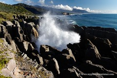 Punakaiki pancake rocks - New Zealand (My Planet Experience) Tags: voyage trip travel sunset sea newzealand water rock canon coast photo sand blowhole nz southisland pancake maori kiwi tasman punakaiki pancakerocks neuseeland novazelndia oceania nuevazelanda austral dolomitepoint  blowholes nuovazelanda nouvellezlande  ocanie      thetasmansea  selandiabaru wwwmyplanetexperiencecom myplanetexperience