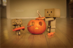 Danb-O-lantern (.OhSoBoHo) Tags: cute love halloween danger canon pumpkin sweet decoration pumpkincarving kawaii 2012 odc danbo minipumpkin revoltech canoneos40d danboard  yotsubai danbophotography toyintheframethursday danbopumpkin danbohalloween creativedanbophotography
