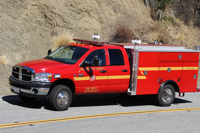 california county ca truck fire losangeles highway dodge ram paramedic department mulholland 89 3500 agourahills lacofd battalion5