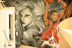 Decoración interior Lady Gaga y Derrick Rose (WWW.BEROK.ES) Tags: graffiti mural arte murales artista graffitis amano granollers decoración pintado muralista lesfranqueses berok pinturamural lesfranquesesdelvallés greenindoorpark
