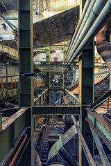 Entspannung vor'm Kamin (tonal decay) Tags: plant rust power steel pipes oxidation kraftwerk rost stahl rohre gigawatt wirrwarr