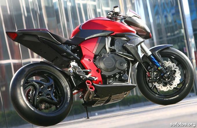 Honda CB 1000R Vermelha sem rabeta