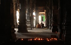 Between the pillars (Road Blog) Tags: tamilnadu chidambaram templesoftamilnadu natarajatemple