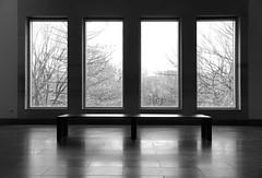 Empty Benches  TheMET(764) (rverc) Tags: nyc art met metropolitanmuseumofart
