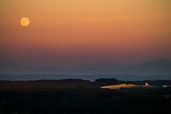 Mondaufgang ber Traxl (louhma) Tags: aussichtsturm ebersberg traxl mond mondaufgang