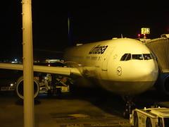 201606002 Riyadh airport with LH airplane (taigatrommelchen) Tags: night airplane airport riyadh dlh ruh kingdomofsaudiarabia oerk 20160626