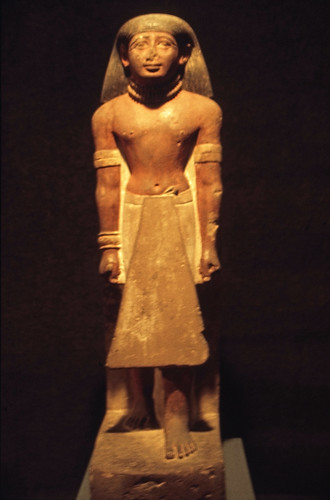 "Ägypten 1999 (286) Luxor-Museum: Statue eines Offiziers • <a style=""font-size:0.8em;"" href=""http://www.flickr.com/photos/69570948@N04/28673902785/"" target=""_blank"">View on Flickr</a>"