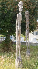 Man and Woman Wooden Sculpture, Windisch, Aargau, Switzerland (jag9889) Tags: wood jag9889 head art cantonaargau windisch sculpture outdoor 2016 europe 20160808 switzerland ag aargau ch helvetia kantonaargau schweiz skulptur suisse suiza suizra svizzera swiss