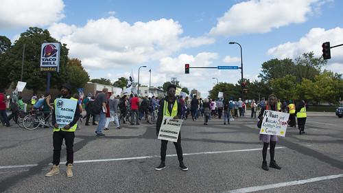 March against Islamophobia blocks Franklin Avenue
