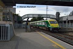 4004 arrives at Portarlington, 22/9/16 (hurricanemk1c) Tags: railways railway train trains irish rail irishrail iarnród éireann iarnródéireann portarlington 2016 caf mark4 intercity 4004 1420corkheuston
