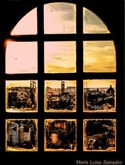 Firenze attraverso un'antica finestra (Lella '54) Tags: firenze florence finestracongrata tramonto shadows sunset vetrataadarco paesaggiosullosfondo landscape explore