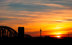 good evening (gepixelt) Tags: bridge sunset sonnenuntergang powershot brcke duisburg eisenbahnbrcke s100 powershots100 canons100 explored canonpowershots100