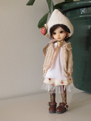 Tiny Mori Girl (*alexisbears*) Tags: girl knitting sewing feather hiro mori elfdoll tinydoll alexisbears