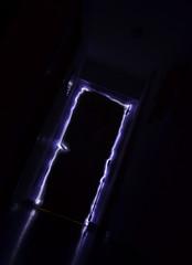 jugando con la luz (walterioju) Tags: door luz luces puerta nikon f22 pintado d5100