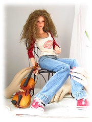 Fiddle01 (Tatterpunk) Tags: ball doll lily ellie wyeth ember bjd freckles bianca joint jointed iplehouse nyid