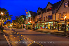 Bar Harbor - Acadia N.P - Maine (~ Floydian ~ ) Tags: street city usa shop sunrise canon town store nationalpark village unitedstates newengland shops bluehour charming stores meijer henk barharbor mountdesertisland beforesunrise desertisland acadianp floydian proframe proframephotography canoneos1dsmarkiii henkmeijer