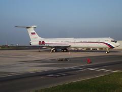 RA86572, Ilyushin IL-62M, 3154624/272, Russia Airforce, CDG/LFPG, 10/2012 (AlainDurand) Tags: airliners cdg jetliners il62 lfpg ra86572 classicjets russiaairforce vipjets alaindurand parisroissycharlesdegaulle airforcesoftheworld worldairforces ilyushinil62jets operatorsofrussia msn3154624 cn272