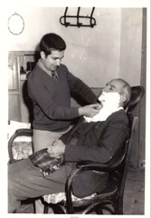 Barbería para caballeros (Jesús Pelayo) Tags: tarifa caballero estéticos cuidados oficios barbería