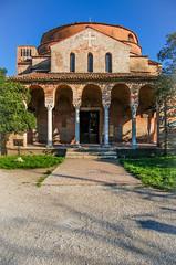 Sacrum (Caterix) Tags: burano holidays sunny beautiful church path sacrum green architecture venice mediterranean peaceful blue bluesky