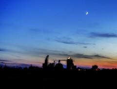moon over Lemmon on July 7 (Father Tony) Tags: lemmonsd southdakota landscape night july canon canoneos50d moon sd alienskinexposure alienskin adobephotoshopcs6