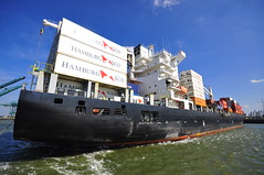 Carolina Star DSC_4811 (larry_antwerp) Tags: 9210062 carolinastar metrostarmanagement metrostar container reefer hamburgsud antwerp antwerpen       port        belgium belgi          schip ship vessel