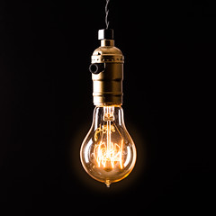"""Bulb Fiction"" (jochenlorenz_photografic) Tags: allesfrdielik likakademie produktfotografie product shooting indoor studio lights lightson black orange background silhouette thing things ideas productive creative tripod pure stilllife minimalism reduced"