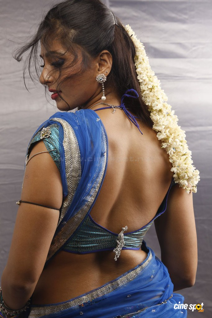 actress hot erotic