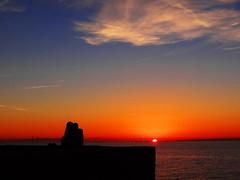 ✿.√,•*´✿Aspettando il Tramonto...❤❤ (antonè) Tags: sardegna sunset love tramonto mare lovers cielo sole rosso amore alghero innamorati antonè worldwidelandscapes rememberthatmomentlevel1 rememberthatmomentlevel2