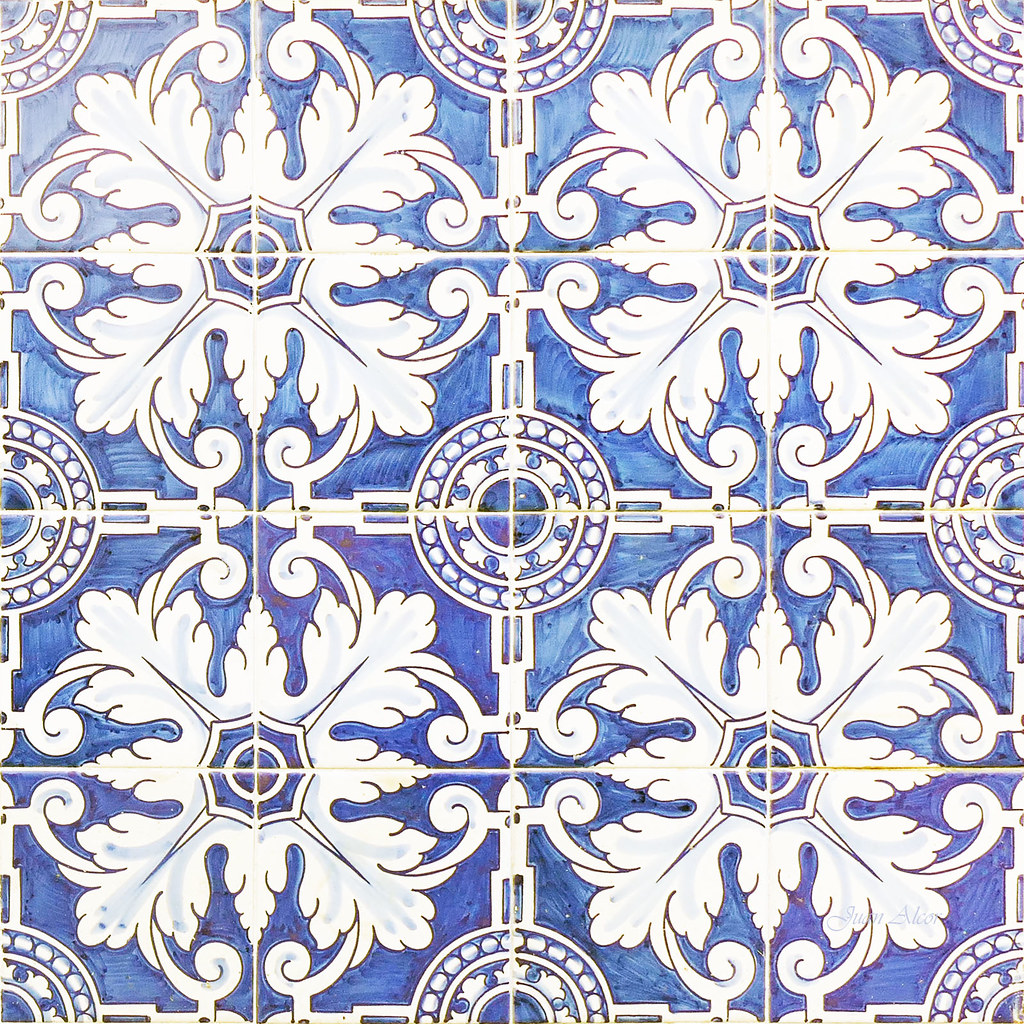 The world 39 s best photos of ceramica and talavera flickr for Azulejos toledo