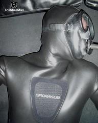 904 26 (rubbermax) Tags: rubber wetsuit neoprene