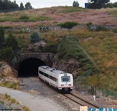 594 entrando en San Cristbal (Iago Gonzlez Vzquez) Tags: 594 reformado aerodinmico media distancia tunel caf serie automotor san cristobal a corua galicia renfe adif