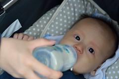 DSC_3444 (Cha gi Jos) Tags: tony baby bb enfant nourrisson sugling infant boy garon wien vienna vienne schnbrunn biberon sterreich austria autriche milk milch lait