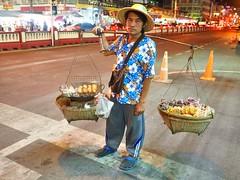 Hua Hin - Mobile vendor (sharko333) Tags: travel voyage reise asia asie asien thailand thailande huahin  street man vendor night portrait olympus em1