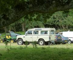 Land Rover Safari (K Garrett) Tags: beautiful restored land rover series 3 safari lwb 109 restoration wolf wheels limestone galvanised chassis