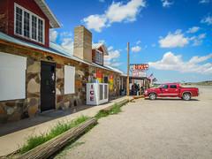 Minimart (Channed) Tags: america amerika arizona noordamerika route66 us usa vs verenigdestaten goldenvalley unitedstates car minimart road freeway chantalnederstigt