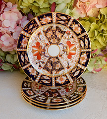 Royal Crown Derby Traditional Imari Dessert Pie Plates Cobalt Rust Gold (Donna's Collectables) Tags: royal crown derby traditional imari dessert pie plates cobalt rust gold
