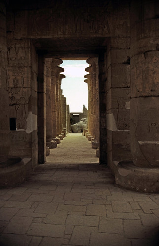"Ägypten 1999 (429) Theben West: Ramsesseum • <a style=""font-size:0.8em;"" href=""http://www.flickr.com/photos/69570948@N04/29600195401/"" target=""_blank"">View on Flickr</a>"