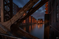 Wasserschloss Hamburg (stein.anthony) Tags: cityscape cityhighlight speicherstadt unescowelterbe wasser poggenmhlenbrcke hamburg nachtaufnahme langzeitbelichtung longexposure nightview
