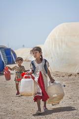 Hardship in the Desert_315 (EU Humanitarian Aid and Civil Protection) Tags: iraq fallujah anbar water nrc norwegianrefugeecouncil children desert