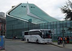 UK - Hounslow Coach (onewayticket) Tags: coach bus transport urban symphony symphonytravel mercedes mercedesbenz tourismo mercedestourismo bg15umo
