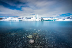 Jkulsrln @Iceland (Benjamin MOUROT) Tags: iceland islande north northernlight viking canon 70d longexposure leefilter polarised lightroom6 photoshopcs3 1022mm landscape paysage poselongue europe july blue jokulsarlon lagoon paradise masterpiece sky clouds