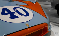 Follow the arrow (Raph/D) Tags: blue light orange sports colors car museum race john germany eos gulf leo stuttgart racing muse pedro porsche 7d arrow 40 1970 allemagne rodriguez sportscar targa 908 florio zuffenhausen kinnunen jwa wyer 90803