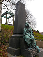 Mourning (Flubie) Tags: statue sweden gothenburg 1454mm gx1 vstragtalandcounty