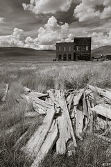 Bodie post office (Xiphoid8) Tags: old abandoned decay rustic postoffice ghosttown bodie oldpostoffice bodieghosttown monocounty abandonedtown bodiecalifornia blackwhitephotos bodieca goldtown monocountyca bodiepostoffice brickpostoffice