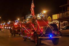 christmas fire truck (Father Tony) Tags: christmas usa holiday southdakota canon firetruck sd canonefs1755mmf28isusm canoneos50d hillcitysd adobephotoshopcs6 alienskinexposure4
