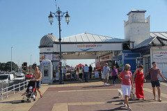 South Parade Pier - Portsmouth (England) (Meteorry) Tags: uk greatbritain morning england people english amusement pier europe unitedkingdom britain sunday hampshire september cash portsmouth british crpes 2012 matin pompey southparadepier meteorry portseaisland southparade a288